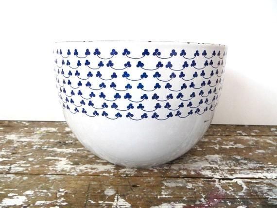Finel Kaj Franck Clover Bowl Blue and White Enamel Enamel Bowl Arabia of Finland