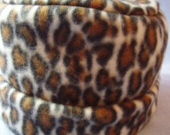 Children's fleece pillbox hat - leopard print - medium