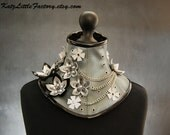 Silver chameleon, Black and reflective PVC Cyber Flowers neck corset with chains and studs