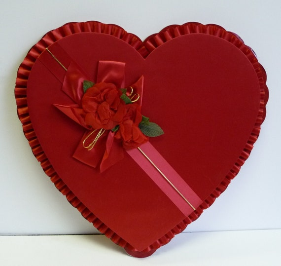 Vintage Valentine Candy box Heart shaped BIG ruffled Ribbon