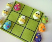 Easter Tic Tac Toe game set  -  Felt Easter Eggs and Chicks tic tac toe  - Felt Easter Toy