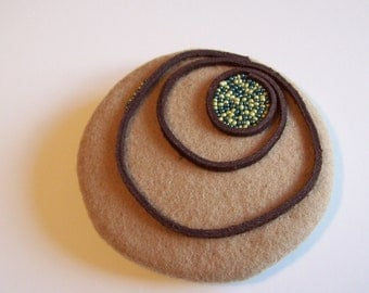 Pebbles and Sand fascinator
