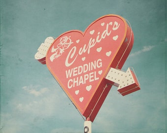 Cupid Wedding Chapel, Cupid's Chapel, Blue And Red, Vegas Wedding Chapel, Vegas Chapels, Wedding Chapel Sign, Las Vegas Photo, Red Heart