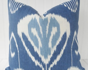 Blue Pillow.Decorative Throw Pillow Cover, Navy Blue Ikat, Blue Pillows, Blue and White Pillow, Cushion Covers