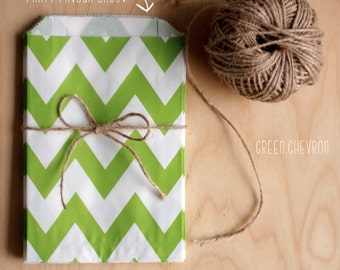 Green and White Chevron Pattern Party Favour Bags - 5 x 7 inch Favor Gift Bag - Packet of 12