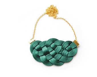 Emerald necklace, knot necklace, dark green necklace, nautical necklace, rope jewelry, green and gold necklace, spring trends, gift idea