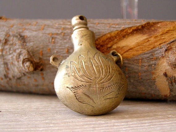 """Antique Eyeliner Pendant Bottle, oriental """"Kahal"""" copper Bottle, Jewelry supply, Oriental, gift for woman, collectible"""