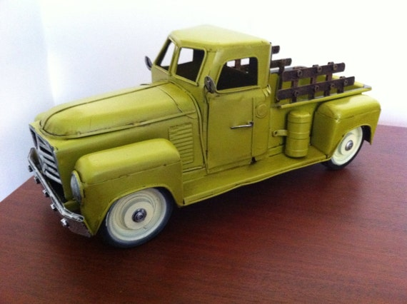 Toy Cars And Trucks : S chevrolet pickup truck tin metal car toy miniature