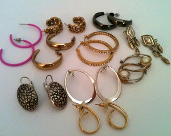 lot of 10 pairs of vintage earring from the 1980's