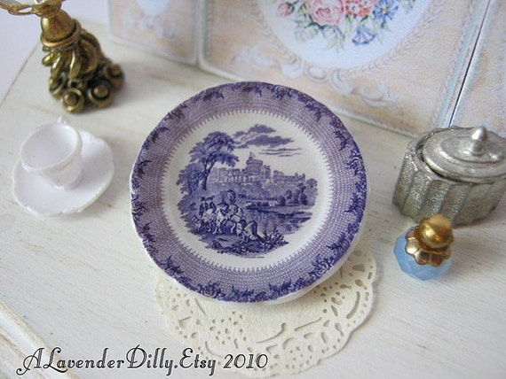 Windsor Castle Plate for Dollhouse