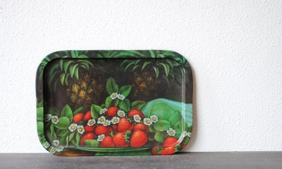 Vintage Metal Stawberry Tray, Pineapple Tropical Fruit Kitchen Decor Serving