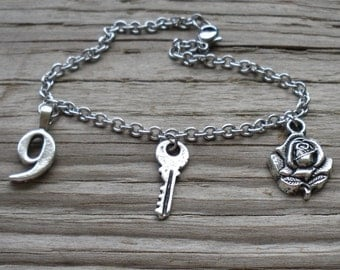 Doctor Who - 9 & Rose - Charm Bracelet