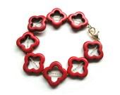 Red Beaded Bracelet - Quatrefoil Flower Gold Jewelry