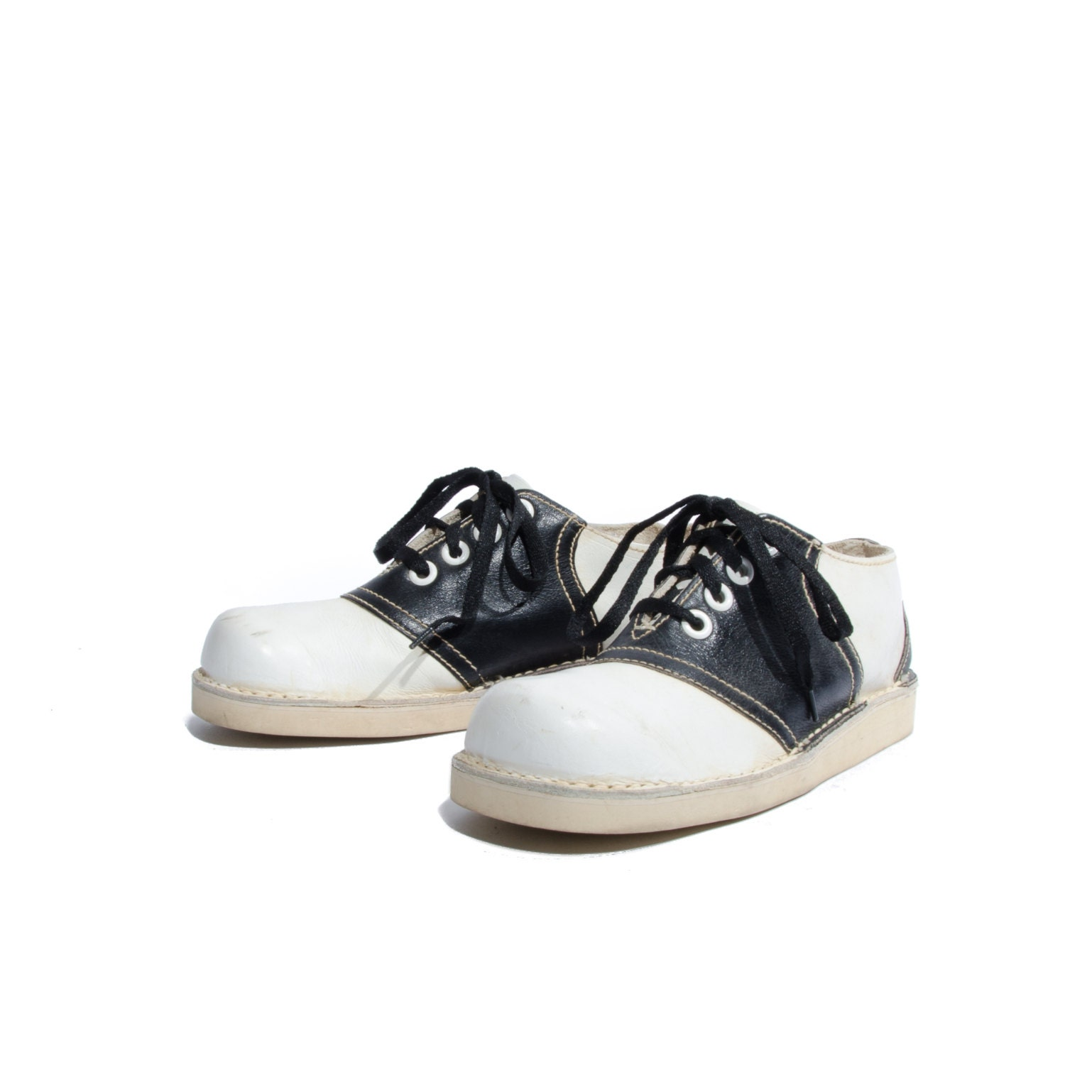 vintage gaymore black white saddle shoes by
