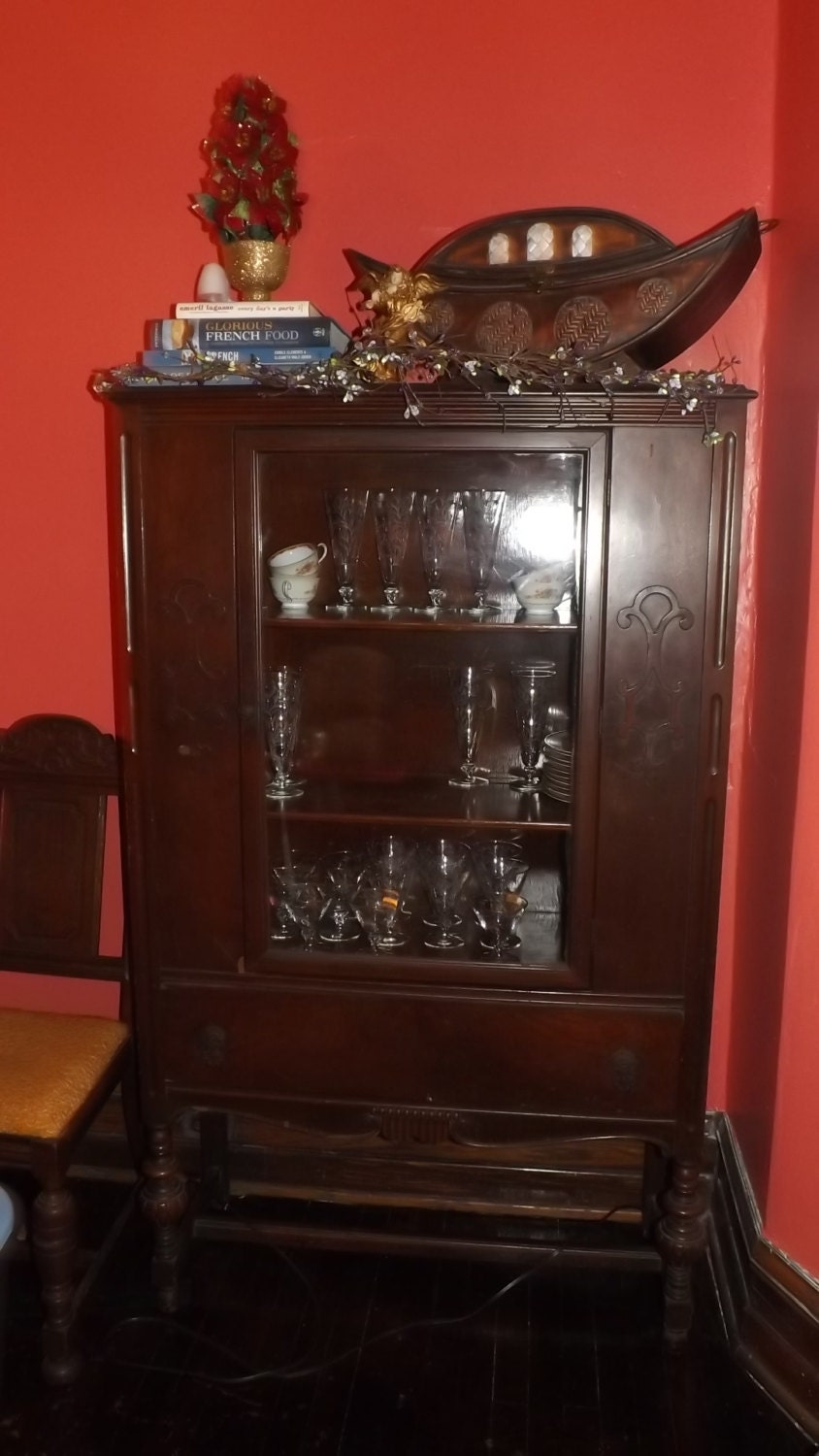 vintage 1930 39 s china cabinet shabby chic by sweetnancyvintage. Black Bedroom Furniture Sets. Home Design Ideas