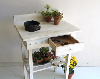 Potting Bench Cottage Chic Rusty Bucket with Drawer