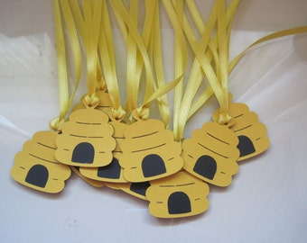 12 beehive gift tags