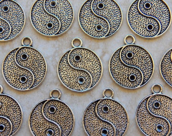 28X23mm Antique Silver Yin Yang Charm Pendants, 4 PC (INDOC274)