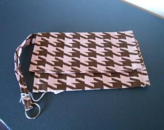 Handmade Wristlet, Houndstooth, pink, brown