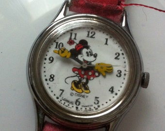 Vintage 1960s Minnie Mouse Girls Watch FREE SHIPPING