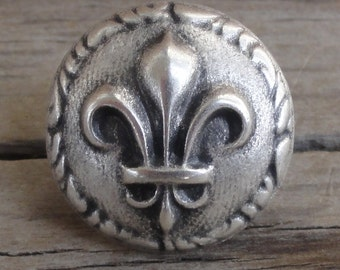 """2 Fleur de Lis Silver Metal Buttons 5/8"""""""