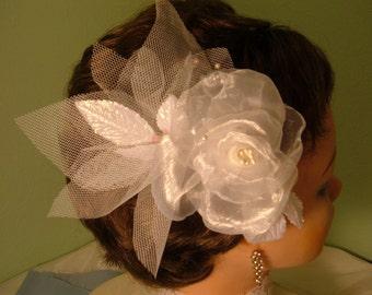 White Bridal Fascinator, Bridal Head Piece, Head Piece, Bridal Clip, Wedding Hair Accessories,Fascinator Head Piece, Birdcage Veil