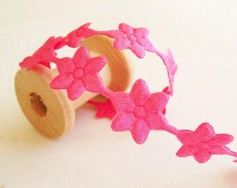 "1yd Hot Pink Daisy Flower Lace -1/4"" width"