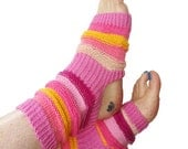 Yoga Socks, Handknit Pink Yoga Sock, Pilates, PiYo, Dance Socks, Pedicure Socks, Yoga Socks, Boho Socks, Hipster Socks, Gift, MADE TO ORDER