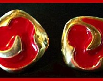 """Vintage Earrings Red Gold Enamel Clip Back Style Mid Century Gold Metal 1 1/4"""" VG"""
