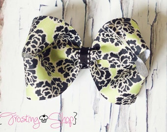 Spring Willow Bow- Green and Black