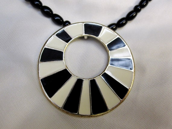 Eye-Catching and Bold BLACK and WHITE Pendant set on Black Beaded 18 Inch Necklace with Magnetic Clasp