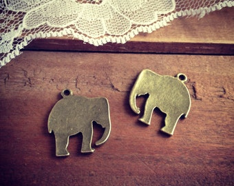 6 Pcs Elephant Charms Antique Bronze Vintage Style Pendant Charm Jewelry Supplies Zoo Animals Circus  (BC162)