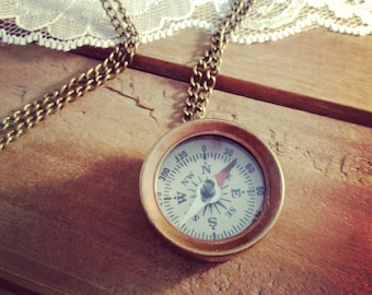 1 - Small Compass Necklace, Antique Bronze, Really WORKS, Nautical, Vintage Necklace Pendant (BA005)