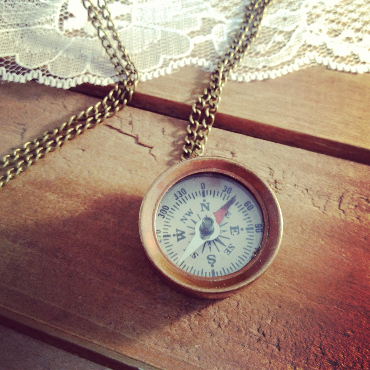 1 Small Compass Necklace Antique Bronze Really WORKS