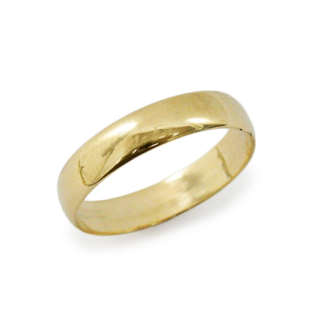 classic wedding ring 5mm. rounded yellow gold wedding ring.