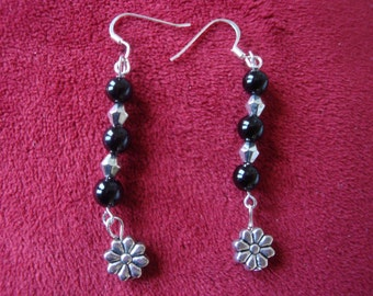 Earrings made of glass beads/metal