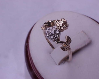 Ladies Art Deco  10K Yellow Gold Diamond Cluster Ring, early  1900s