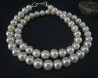 White nature fresh water pearl necklace
