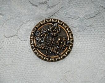 """Antique Metal Picture Button...1 1/2"""""""