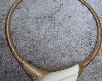 TRIFARI Sleek Modernist Resin Gilt Choker Necklace c 1970