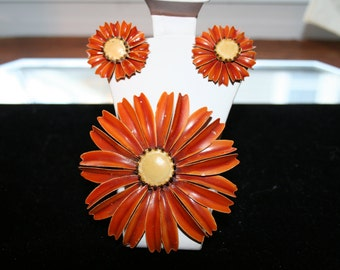Daisy Flower Brooch Metal Rust and Yellow with Matching Clip On Earrings