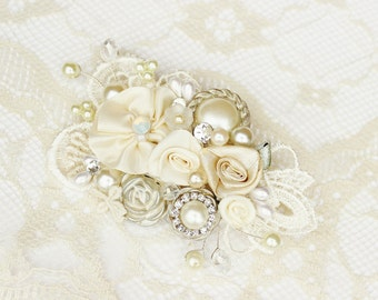 Ivory Bridal Hair Comb- Ivory Hair Clip- Pearls & Rhinestone Comb- Vintage Inspired Hair Piece- Floral Wedding Hair Accessories- Fascinator