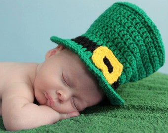 Crocheted Newborn Photo Prop Leprechaun Top Hat Size 0-3 Months READY TO SHIP