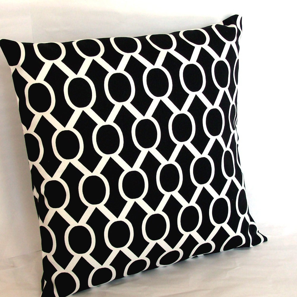 sale black and white throw pillow cover oval links 18x18. Black Bedroom Furniture Sets. Home Design Ideas