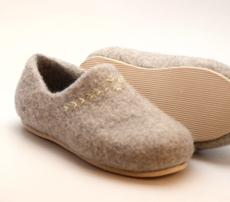 Eco Friendly Slippers: Handmade Organic Wool Felt