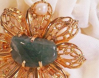 Vintage Gold Tone Jade Stone Pearl Brooch