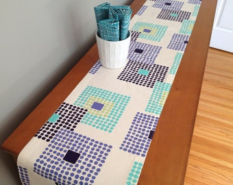 table runner in stone path ivory