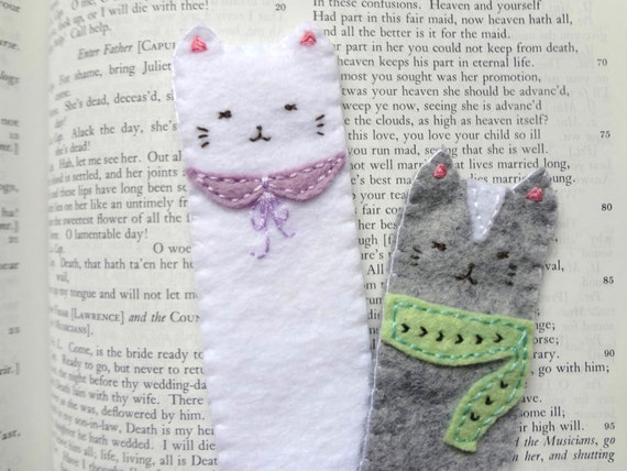 Purrfect time to read- soft felt cat bookmark