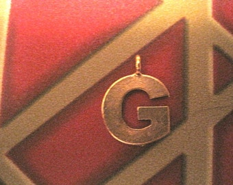 1 ANTIQUE GOLD G INITIAL Pendant/Charm