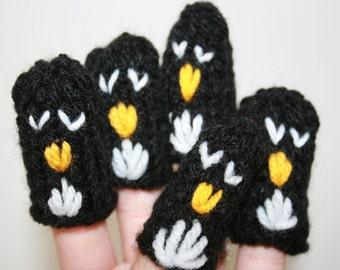 Five Penguin Finger Puppets. Great School Teaching Resource.